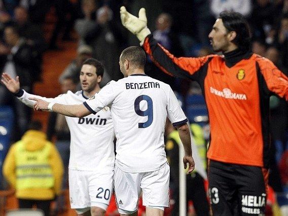 Real Madrid uspěl proti Mallorce i díky zásahům Higuaína s Benzemou.