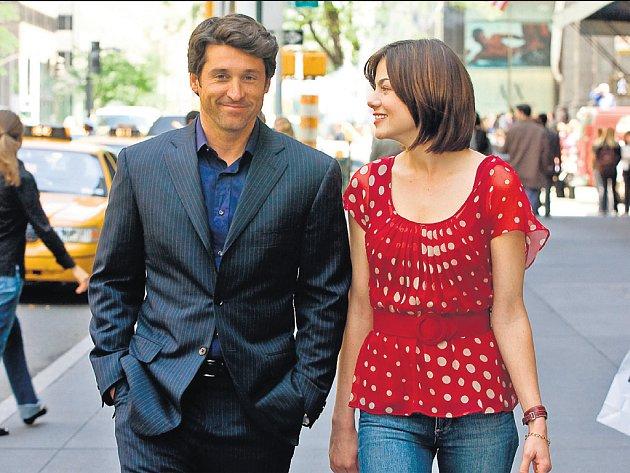 SVATBA JEHO NEJLEPŠÍ PŘÍTELKYNĚ. Tom (Patrick Dempsey) a Hannah (Michelle Monaghanová) jsou sympatičtí, ale jejich filmové dobrodružství moc ne.