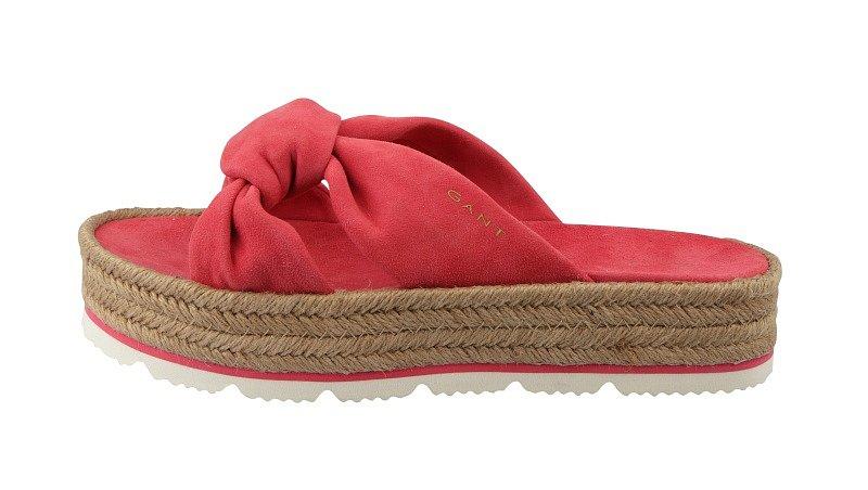 GANT, 2599 Kč - Elegantní pantofle se budou skvěle hodit k pletené kabelce