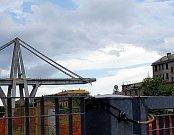 V Janově na severu Itále spadl most.