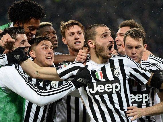 Fotbalisté Juventusu Turín porazili Inter Milán