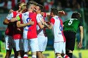 Fotbalové utkání finále MOL Cupu mezi celky SK Slavia Praha a FK Jablonec 9. května v Mladé Boleslavi. Uprostřed Stanislav Tecl.