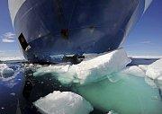 Ledoborec v Arktickém oceánu