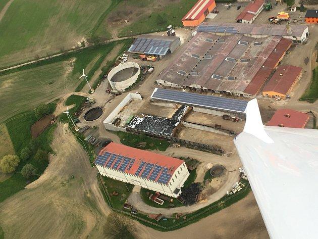 Projekt 7.Sluneční a větrné elektrárny na farmě