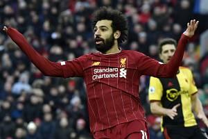 Fotbalista Liverpoolu Mohamed Salah se raduje z gólu.