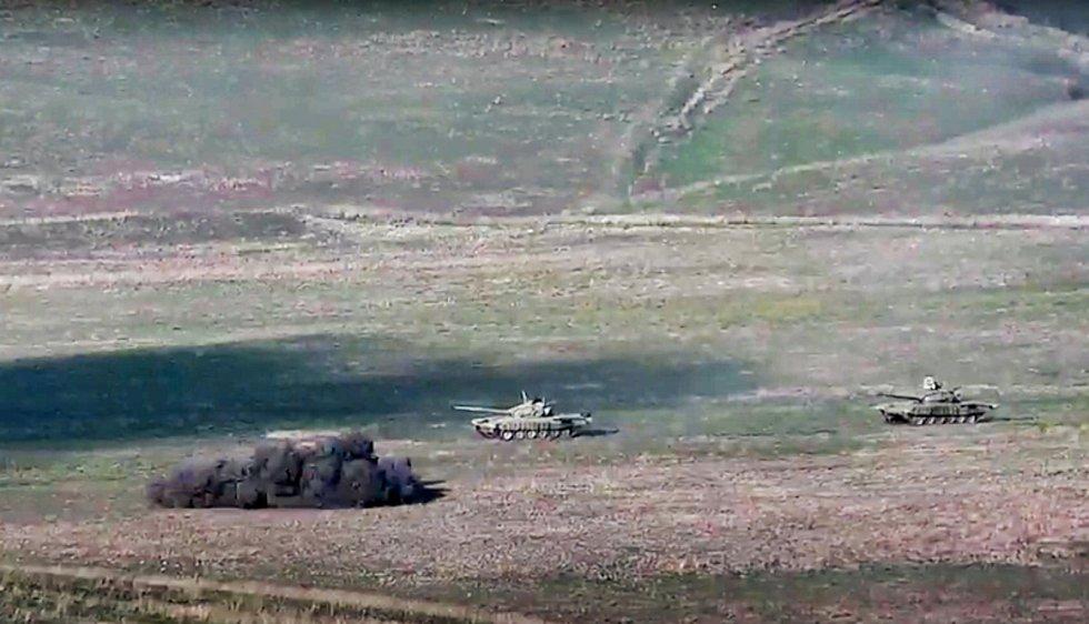 Záběry z útoku arménské armády na ázerbájdžánské tanky v Náhorním Karabachu