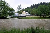 Rozvodněná Rožnovská Bečva. Ilustrační foto