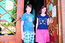 OBRAT K LEPŠÍMU. Barboru Bařtipánovou (vpravo) zaujala inkluze natolik, že se sama stane asistentkou ve škole.