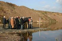 Den otevřených dveří u jezera Most, které se napouští právě jeden rok.