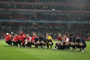 Liga mistrů: Arsenal versus Slavia (děkovačka na Highbury, žádný pískot)