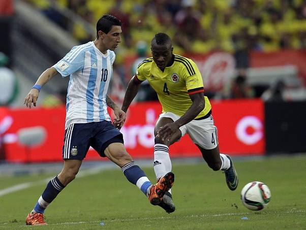 Angel Di Maria v zápase proti Kolumbii