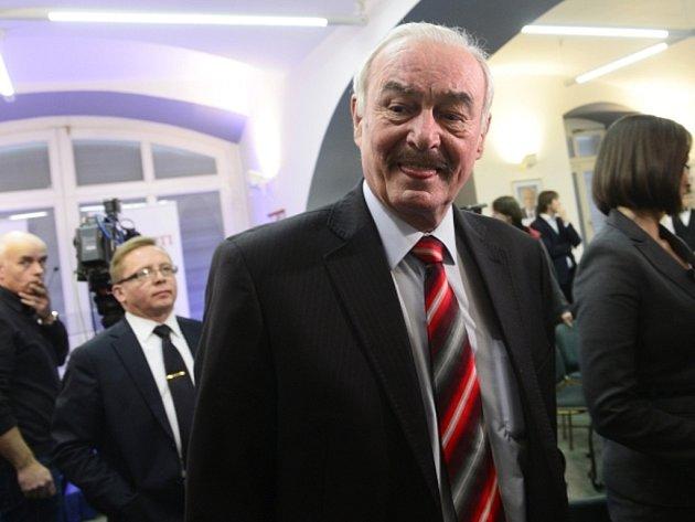 Kandidát na prezidenta Přemysl Sobotka sledoval 12. ledna v Praze průběžné výsledky prvního kola prezidentských voleb.