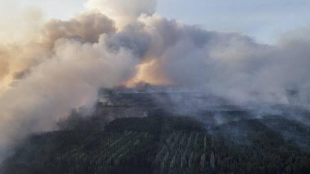 Hořící les poblíž Černobylu.