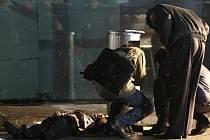 Sebevražedný útok na moskevském letišti Domoděvovo si vyžádal několik desítek obětí