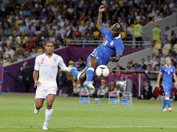 Akrobat Mario Balotelli.
