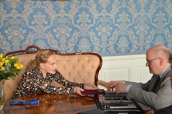 Ministr Daniel Herman dnes vNostickém paláci přijal českou herečku a operní pěvkyni Soňu Červenou.