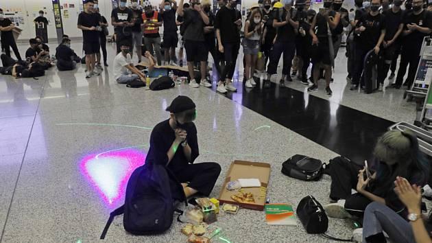 Protest na letišti v Hongkongu