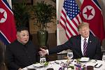 Slavnostní večeře Kim Čong-una a Donalda Trumpa na summitu v Hanoji