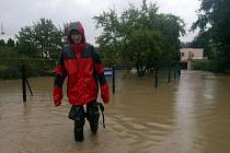 Apokalypsu, připomínající povodně v roce 1997, způsobil potok Porubka, který se začal vylévat ze svých břehů.