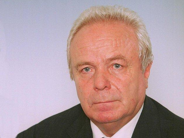 Šestašedesátiletý ekonom, bývalý poslanec a zastupitel za sociální demokracii Jiří Václavek se utopil na dovolené v Thajsku.