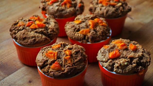 Bezlepkové dortíky s meruňkami