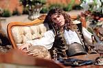V pohádce Zdeňka Trošky Zakleté pírko si zahrál nemocného hraběte.