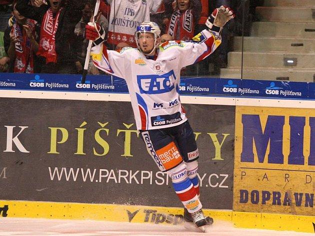 Pardubice v prvním finále potvrdily roli favorita.