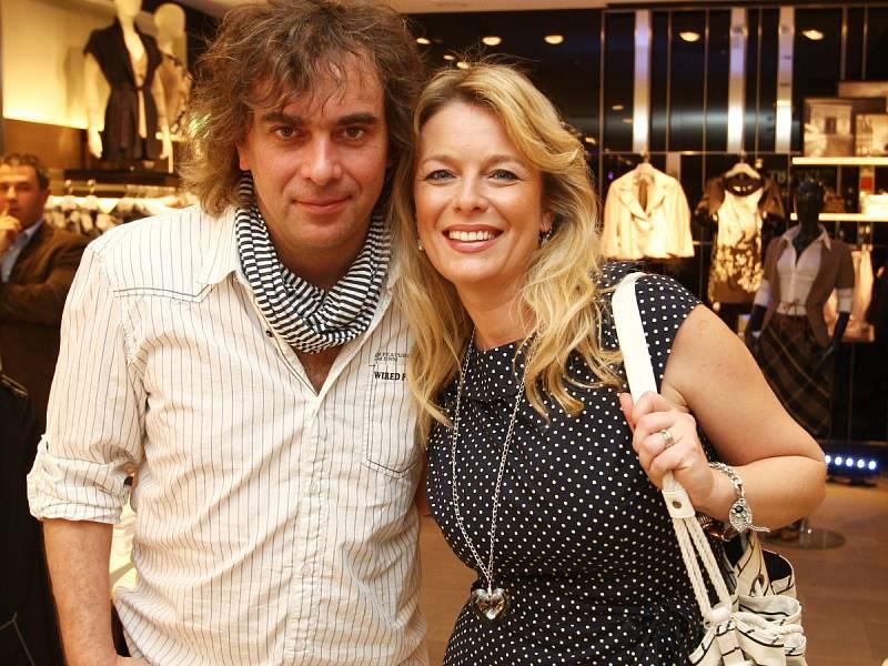Herečka Lucie Benešová s manželem, hercem Tomášem Matonohou.