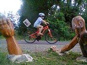 Na kole u padlého cyklisty
