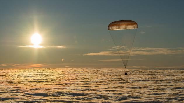 Přistání na základně v Bajkonuru.