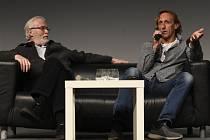 Herci Vladimír Furdík (vpravo) a Ian McElhinney vystoupili 7. února 2020 v Praze na prvním ročníku festivalu popkultury Comic-Con, který se zaměřuje na filmy, seriály, hry, komiksy a knihy především v žánru sci-fi, fantasy a horor