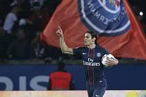 Edinson Cavani z PSG se raduje z gólu proti Nice.