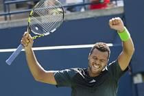 Jo-Wilfried Tsonga se raduje z triumfu na Masters v Torontu.