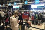 Na Letišti Václava Havla jsou roušky povinné v celé budově.