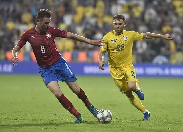 Jaromír Zmrhal (vlevo) v souboji s Ukrajincem Olexandrem Karavajevem.
