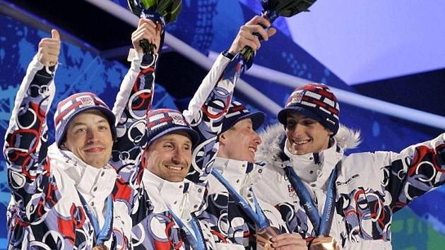 Čeští běžci na stupních vítězů, zleva Koukal, Magál, Bauer a Jakš.