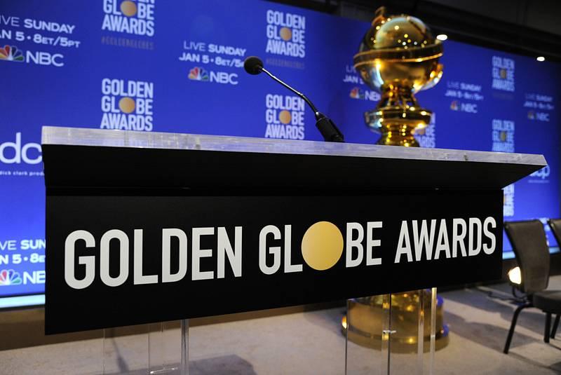 Pódium v hotelu Beverly Hilton v Beverly Hills, z něhož bývají oznámeny nominace na na filmové ceny Zlatý glóbus.
