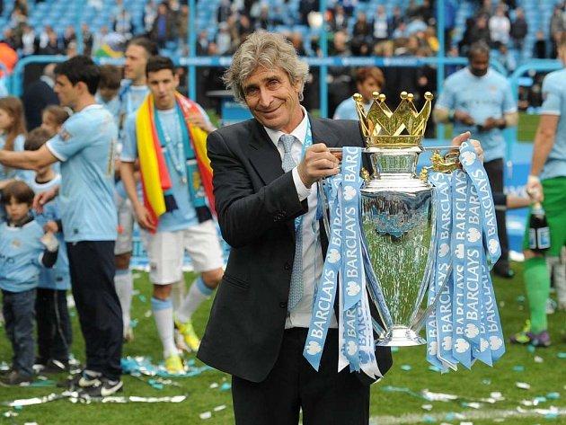 Manuel Pellegrini je prvním mimoevropským trenérem, který vyhrál fotbalovou Premier League.