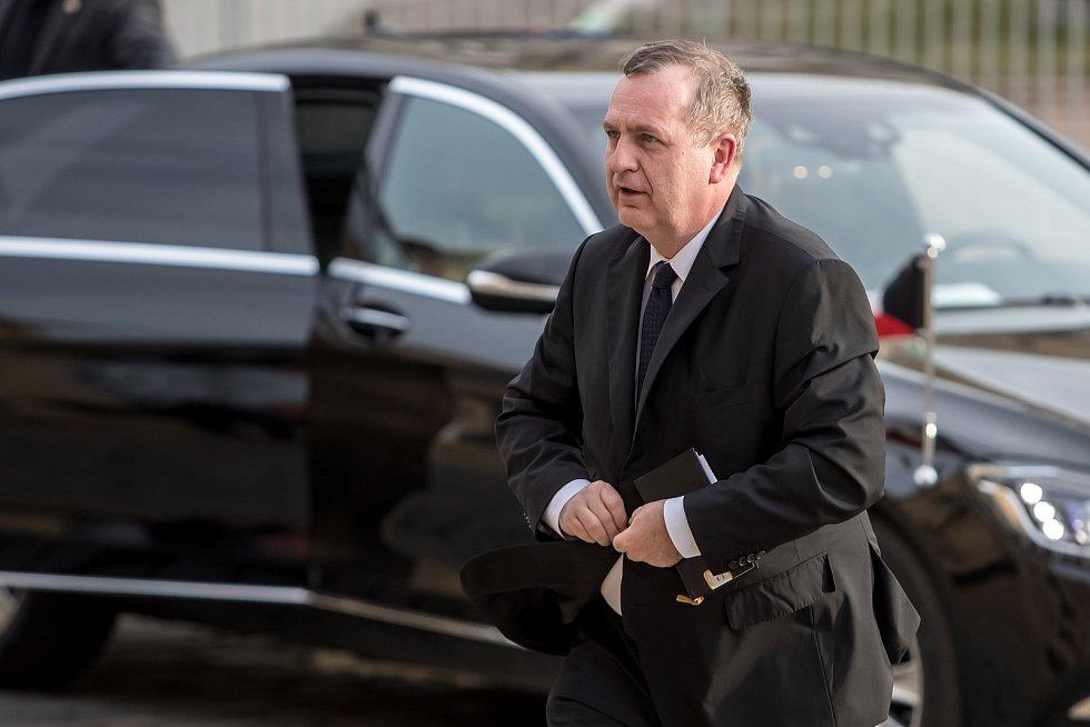 Hosté přicházeli 3. února k pražskému Rudolfinu na pietní shromáždění k uctění památky zesnulého předsedy Senátu Jaroslava Kubery. Tomáš Zima