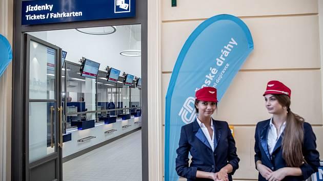 Na pražském Masarykové nádraží se 13. srpna slavnostně otevřely zrekonstruované pokladny.