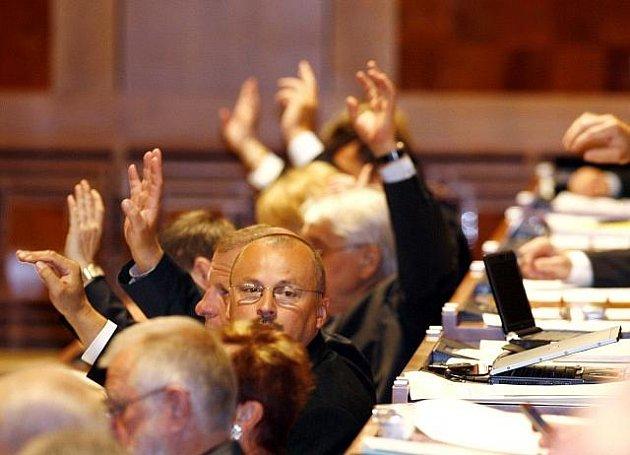 Hlasování v Senátu. Ilustrační foto