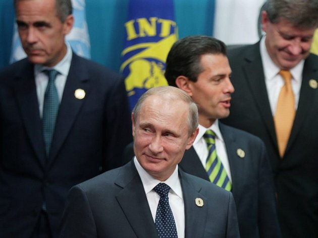 Chladného přijetí a hodně kritiky se kvůli postupu Ruska vůči Ukrajině dočkal ruský prezident Vladimir Putin na dnes zahájeném summitu skupiny G20, která sdružuje největší ekonomiky světa.