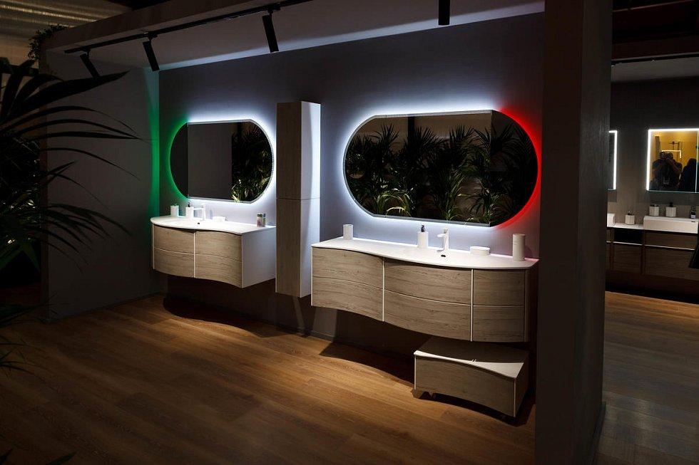 Velkou pozornost věnujte výběru koupelnového nábytku, který by v prvé řadě měl poskytovat dostatečný úložný prostor.