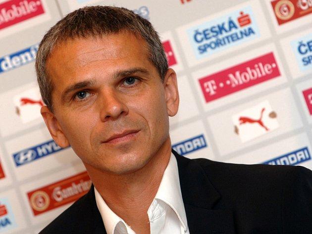 Trenér české fotbalové reprezentace do 21 let Vítězslav Lavička.