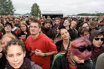 Publikum letních hudebních festivalů je různorodé - ilustrační foto