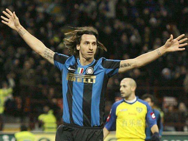 Útočník Interu Zlatan Ibrahimovič rozhodl o vítězství milánského celku nad Chievem.