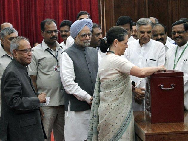 V Indii dnes tisíce volitelů vybírají příštího prezidenta země.