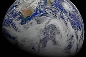 Na snímku NASA planeta Země.