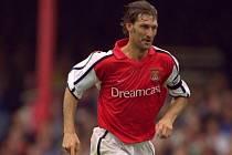 Tony Adams byl dlouholetým kapitánem Arsenalu