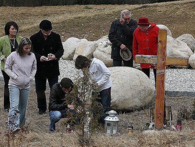 Pozůstali uctili památku obětí